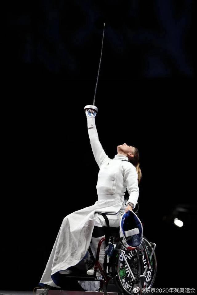 △2020东京残奥会轮椅击剑比赛中的一幕